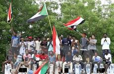 Hội đồng quân sự và phe đối lập ở Sudan ký Tuyên bố Hiến pháp