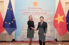 Phó Thủ tướng, Bộ trưởng Phạm Bình Minh hội đàm với Phó Chủ tịch EC