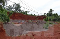 Đắk Nông: Một doanh nghiệp đổ hàng trăm khối chất thải ra môi trường