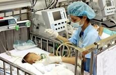 Bé trai 27 tháng tuổi nguy kịch do ngộ độc thuốc hạ sốt Paracetamol