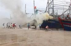 Nghệ An: Diễn tập phương án chữa cháy tại Cảng cá Lạch Quèn