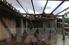 Lốc xoáy ở Hà Tĩnh làm tốc mái 41 nhà dân, đổ 11 cột điện
