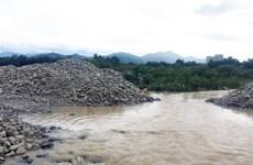 Chấn chỉnh tình trạng khai thác cát trên sông Dinh ở Ninh Thuận