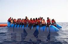 Giải cứu 108 người di cư bất hợp pháp ở ngoài khơi Libya