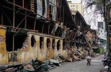 Hàng nghìn người dân đi kiểm tra sức khỏe sau vụ cháy ở Rạng Đông