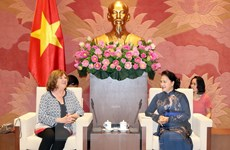Chủ tịch Quốc hội tiếp Chủ tịch Nhóm nghị sỹ hữu nghị Pháp-Việt