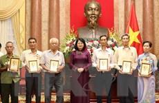 Phó Chủ tịch nước tiếp đoàn đại biểu người có công tỉnh Cà Mau