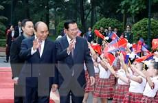 Thủ tướng Nguyễn Xuân Phúc chủ trì lễ đón Thủ tướng Campuchia