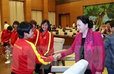 Chủ tịch Quốc hội Nguyễn Thị Kim Ngân gặp mặt đội tuyển bóng đá nữ