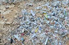 Bắt quả tang vụ đổ trộm hàng chục tấn rác thải công nghiệp
