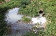 Bắt quả tang công ty giấy xả nước thải trực tiếp ra môi trường