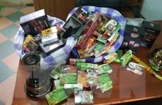 Thu giữ số lượng lớn dụng cụ hút và thuốc shisha không rõ nguồn gốc