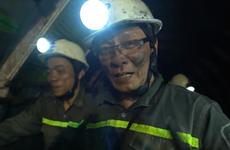 Cùng nhà báo Lại Văn Sâm, MC Thảo Vân trải nghiệm 'sống ở mỏ'