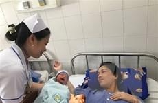 Cần Thơ: Cứu sống mẹ con sản phụ bị nhau cài răng lược thể nặng