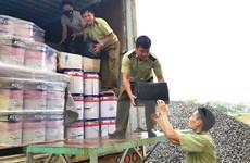Bình Thuận: Bắt xe container chở gần 800 chai rượu ngoại nhập lậu