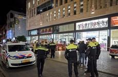 Cảnh sát Hà Lan truy tìm nghi phạm thực hiện vụ tấn công bằng dao