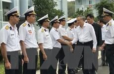 Chánh án Nguyễn Hòa Bình thăm và tặng quà Lữ đoàn Tên lửa bờ 682