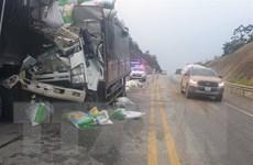 Tai nạn trên đường cao tốc Nội Bài-Lào Cai làm 3 người thương vong