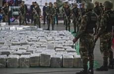 Lực lượng tuần tra Peru bắt giữ tàu ngầm chở 2 tấn ma túy