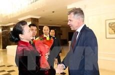 Chủ tịch Quốc hội hội đàm với lãnh đạo Đảng Cộng sản Belarus