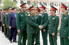 Phó Chủ tịch Quốc hội Đỗ Bá Tỵ thăm cán bộ, chiến sỹ Sư đoàn 316