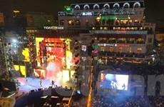 Hà Nội rộn rã đón chào thời khắc chuyển giao sang Năm mới 2020