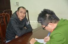 Bị vây bắt, ba đối tượng buôn ma túy lái xe đâm vào cảnh sát