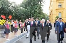 Phát triển quan hệ hợp tác hữu nghị Việt-Trung vì hòa bình, ổn định