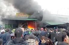 Nghệ An: Cháy lớn tại chợ Phủ Diễn dịp đầu năm, 7 kiốt bị thiêu rụi