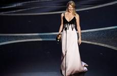 Nữ diễn viên Laura Dern giành tượng vàng đầu tiên trong sự nghiệp