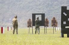 Việt Nam-Australia tập huấn, trao đổi kỹ năng bắn súng quân dụng