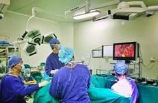 Bệnh viện Việt Đức chữa trị thành công cho nhiều bệnh nhân nước ngoài