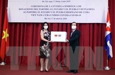 Trao thư của Tổng Bí thư, Chủ tịch nước cùng quà tặng Cuba phòng dịch