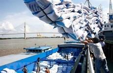 Tạm ứng 100.000 tấn gạo để gỡ khó cho doanh nghiệp xuất khẩu