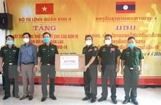 Trao tặng quân đội Lào vật tư y tế phòng, chống dịch COVID-19