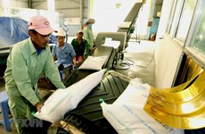 Từ 25/4, mở hệ thống đăng ký tờ khai xuất khẩu gạo tồn tại cảng