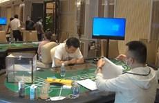 Bắt quả tang nhóm người nước ngoài đánh bạc trong khu nghỉ dưỡng