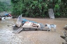 Mưa đá, dông lốc tiếp tục gây thiệt hại nặng tại các tỉnh phía Bắc
