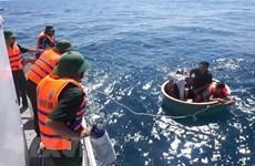Bình Định: Cứu một ngư dân Philippines trôi dạt trên biển
