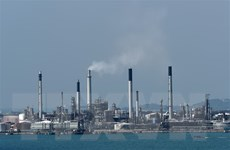 Giá dầu châu Á giảm trong phiên đầu tuần do lo ngại tình trạng dư cung