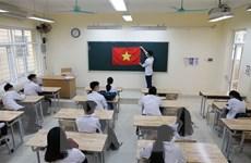 Học sinh Hà Nội ngày đầu trở lại trường học sau kỳ nghỉ dài 3 tháng