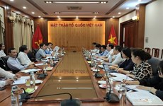 Phối hợp xây dựng cộng đồng người Việt Nam ở nước ngoài vững mạnh