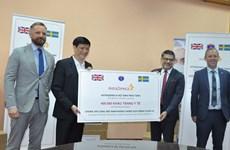 Doanh nghiệp Anh tặng Việt Nam 400.000 khẩu trang phòng dịch COVID-19