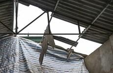 Bình Dương: Mưa dông khiến hàng chục căn nhà bị tốc mái, hư hỏng