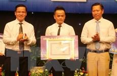 Phóng viên TTXVN giành giải A cuộc thi về nông thôn mới ở An Giang