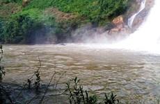 Hai thanh, thiếu niên ở Lào Cai bị đuối nước khi tắm thác