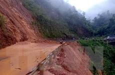 Sạt núi chia cắt nhiều tuyến đường giao thông ở tỉnh Lai Châu