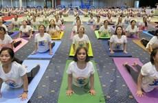Hơn 600 người tham gia đồng diễn trong Ngày quốc tế Yoga ở Phú Yên