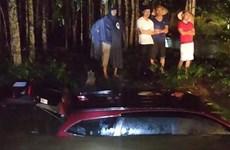 Đồng Nai: Hai xe ôtô trôi xuống suối khi đi qua đập Tà Rua