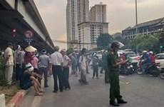 Hà Nội: Ùn tắc kéo dài hàng km vì gia đình người bị nạn 'ăn vạ'